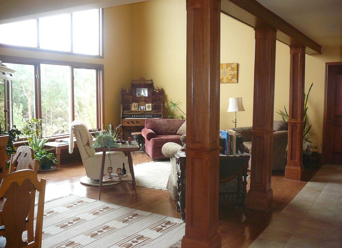 Moonlight & Pines B&B Main Livingroom